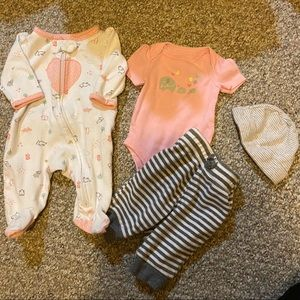4 Piece 0-3 Months Baby Girl Set  🍼